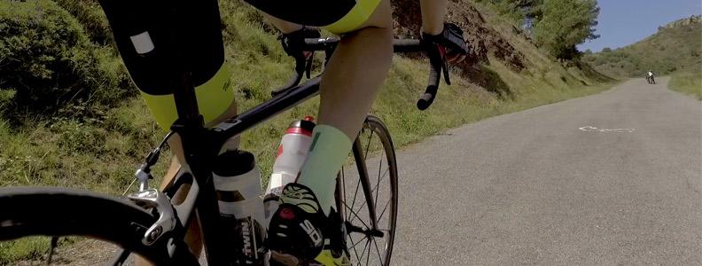 ciclista en montaña